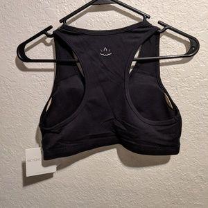 7b0114fbdbd Beyond Yoga Intimates   Sleepwear - Beyond Yoga Supportive Padded Sports Bra